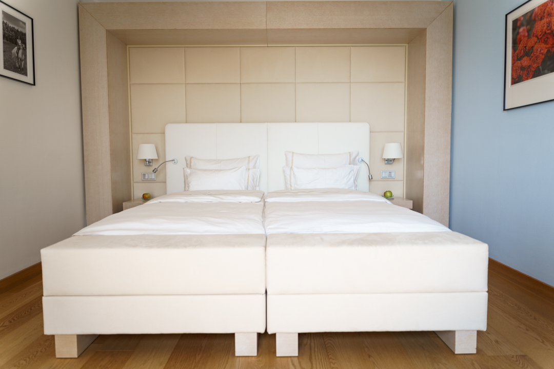 White Bed of Reiters Supreme Hotel